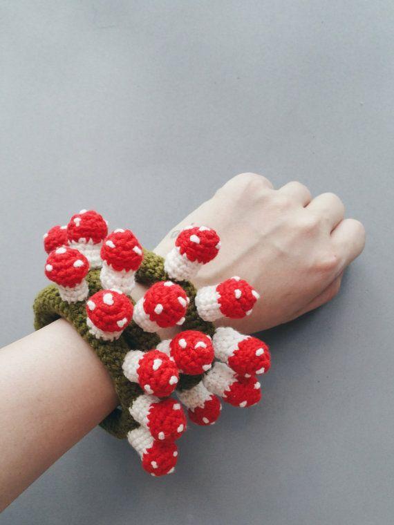 Crochet Flowers Tutorial By Carmen Heffernan : 146 best images about Crochet on Pinterest Crochet bag ...