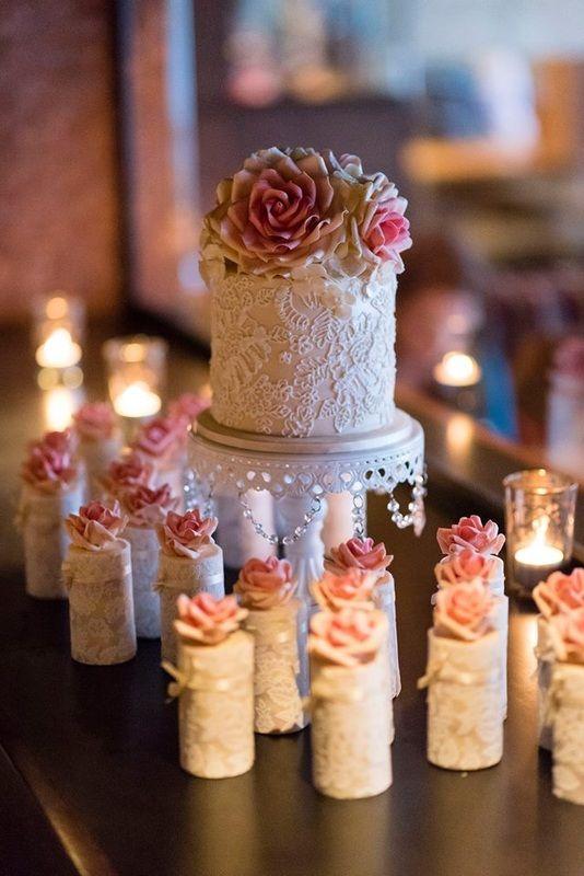 Vintage Bride ~ My Sweet Dream Cakes [mysweetdreamcakes.com] ~ [vintagebridemag.com.au] ~ #vintagebride #vintagewedding