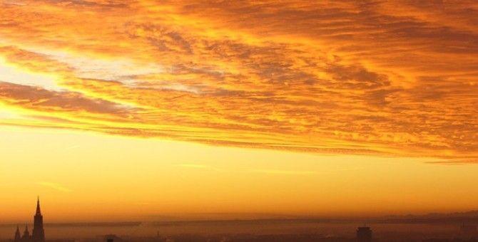 Sunny, Hue fog, relief
