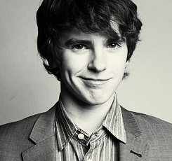 Freddie Highmore is such a good actor.