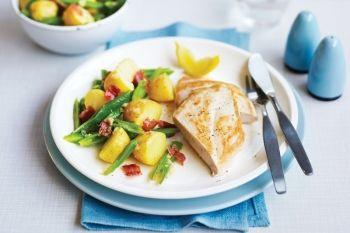 Pui cu şuncă de Parma crocantă O masă uşoară şi sănătoasă pentru întreaga familie. Cina, Reţete cu şuncă, Rețete ușoare și sănătoase, Pentru familie, Reţete pentru prânz, Reţete cu pui, Internationala, Rețete simple