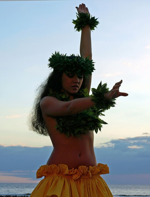 Hawaiian Dancer Sunset 1 - Maui, Hawaii by Barra1man (catching up), via Flickr