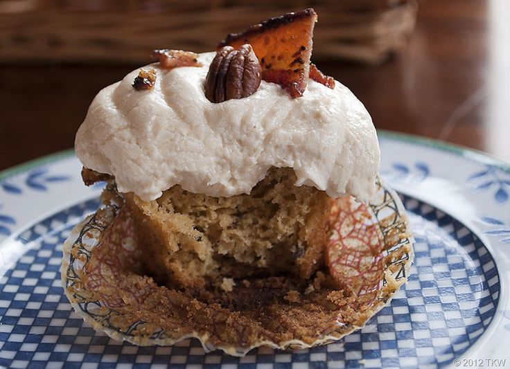 Maple Rum Pecan Cupcakes with Candied Bacon_012812_0064