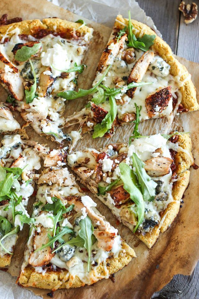 Cauliflower crust grilled chicken and 3 cheese pizza