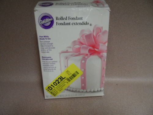 ROLLED FONDANT. PURE WHITE. 8-9 IN ROUND CAKE. WILTON. NEW AND SEALED.
