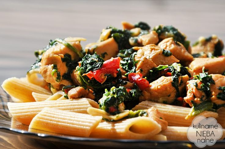 Quick and delicious penne with chicken, peppers, spinach and parmesan cheese