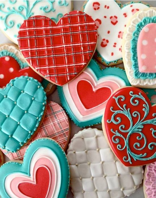 Love the mix of colors on these Valentine cookies by Oh, Sugar! Events