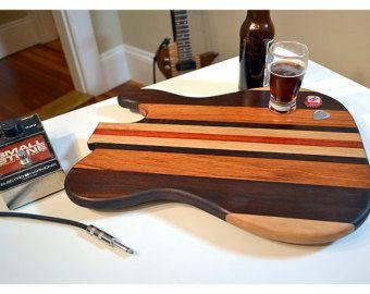 Hecho a mano madera Rockin guitarra corte tablero - bandas estilo - Massachusetts cerezo y roble y brasileño Goncalo Alves  Incluye grabado láser
