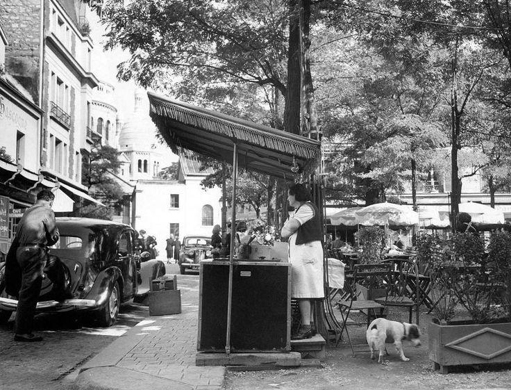 Montmartre - Place du Tertre Paris 1951 (unknown)