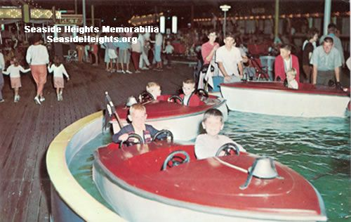 This is a color postcard of Funtown USA featuring a boat ride. It is from the 1960s. LIKE–>http://www.facebook.com/seasideheightsorg WEB–>http://seasideheights.org/ Email this card to a friend!