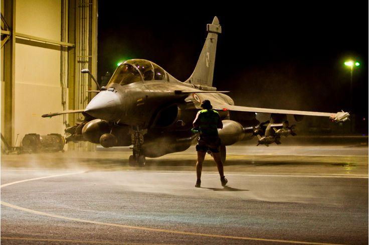 Un Rafale au décollage depuis les Émirats Arabes Unis © Etat Major des Armées / Armée de l'Air