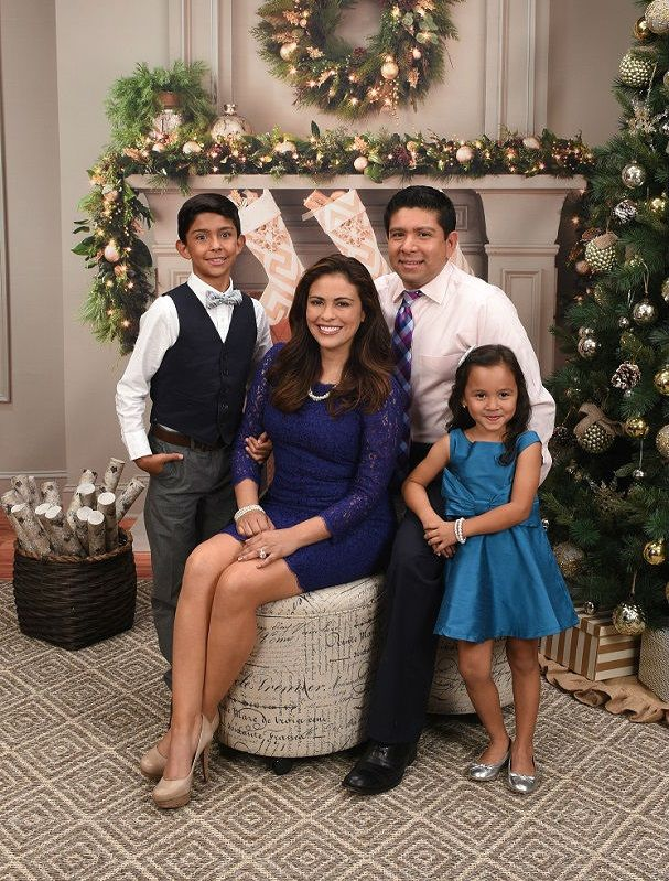 Christmas & Winter Holidays: Bring in the whole fam for a fun holiday photo session with Portrait Innovations!