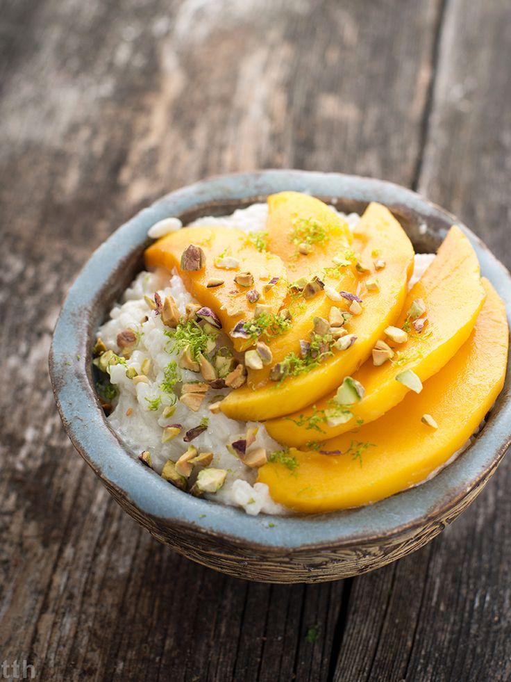 Kokosowy ryz jasminowy z mango i pistacjami - przepis weganskie, bezglutenowe, bez cukru