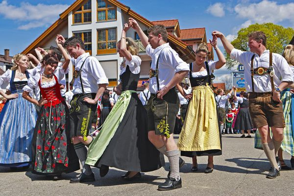 Where to buy a Dirndl or Lederhosen in Munich for Oktoberfest. The biggest beer festival in the world is more fun in traditional attire.