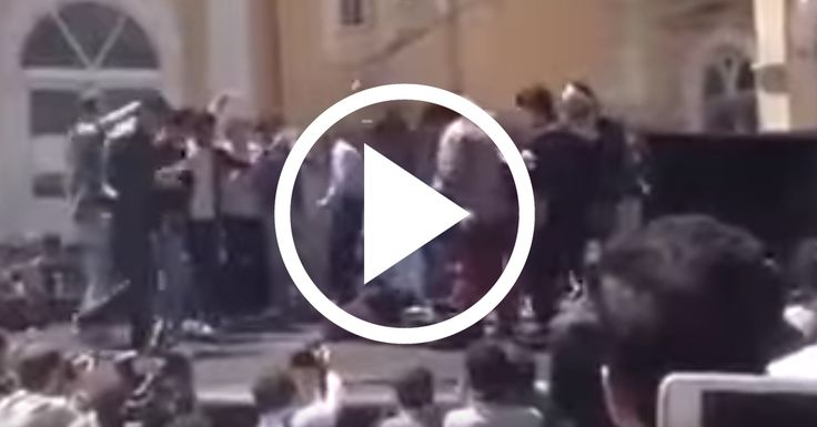 HORRIFIC: Sharia law in action! (VIDEO) And again:...It are all men and the victim....a woman !!