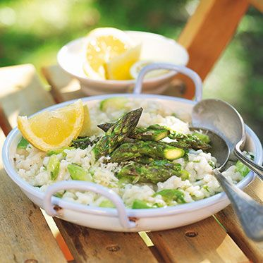 Grüner Spargelrisotto mit Kräutern Rezept | Küchengötter