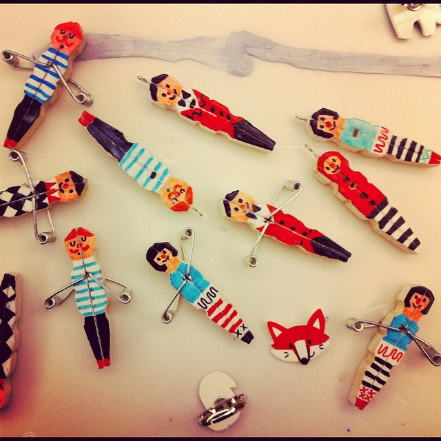 Clothespin people by joanneliuyunn via flickr for Mini clothespin craft ideas