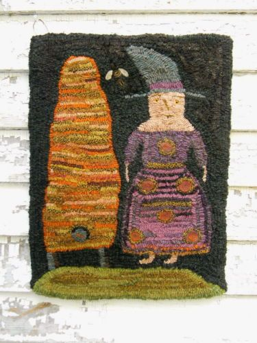 Primitive-Hooked-Rug-Bee-Witched-from-Notforgotten-Farm