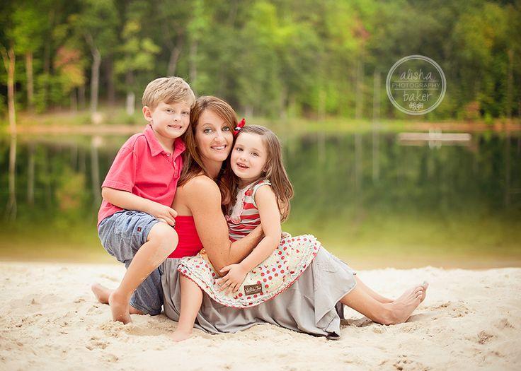 mom and kids photo <3 Alisha Baker Photography AL