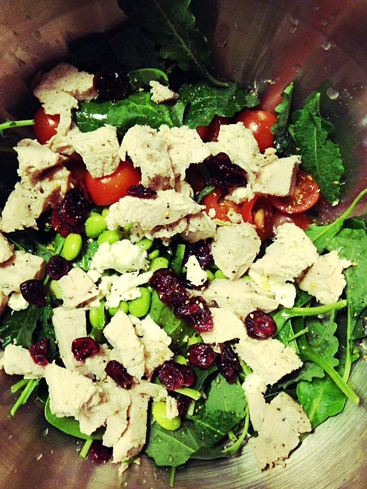 Simple Salad: Turkey Breast and Goat Cheese with Lemon Vinegrette