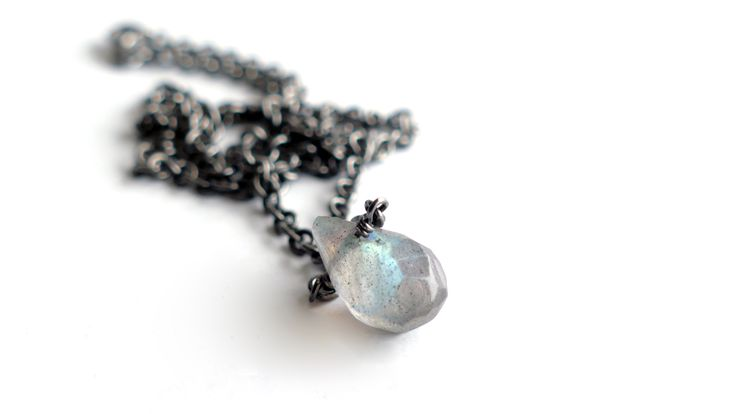 Necklace with a drop of Labradorite Price:20€