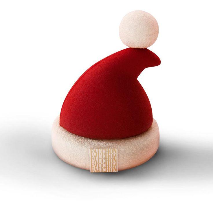 Le bonnet du Père-Noël [Chocolate cake, ganache, dark chocolate mousse & marshmallow] | Fauchon