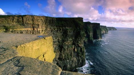 Top 10 Ireland for first-timers Including: Dublin, Galway City, Aran Islands and Connemara, The Rock of Cashel, Doolin, Brú Na Bóinne in County Meath, Giant's Causeway, Dingle Peninsula and Dingle Village, Cliffs of Moher in County Clare, and the perfect place for a pint!