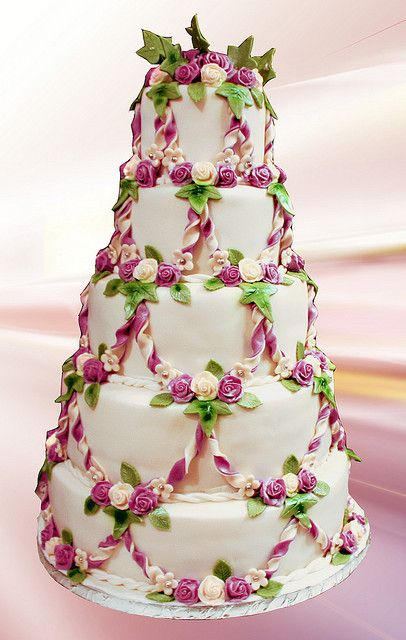 Wedding Cake with Pink Flowers & Ivy