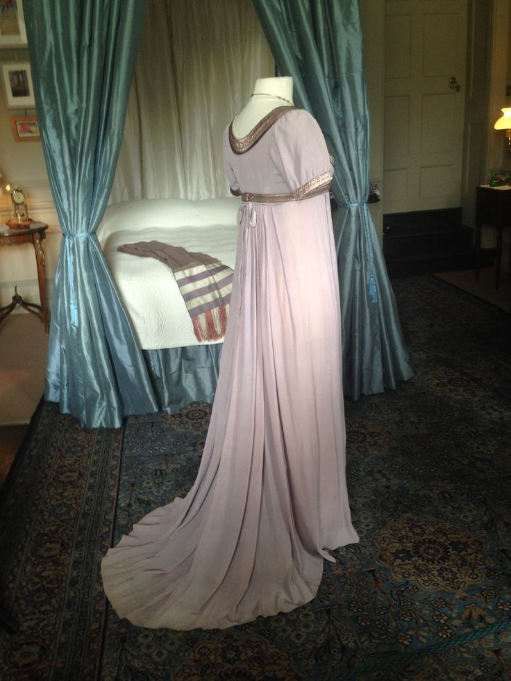 Back view of Emma Thompson's Sense and Sensibility Dress.