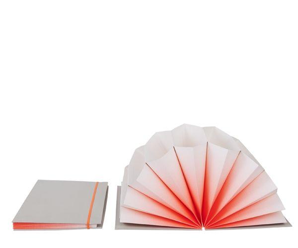 HAY Plissé Neon Orange - A4 199 kr