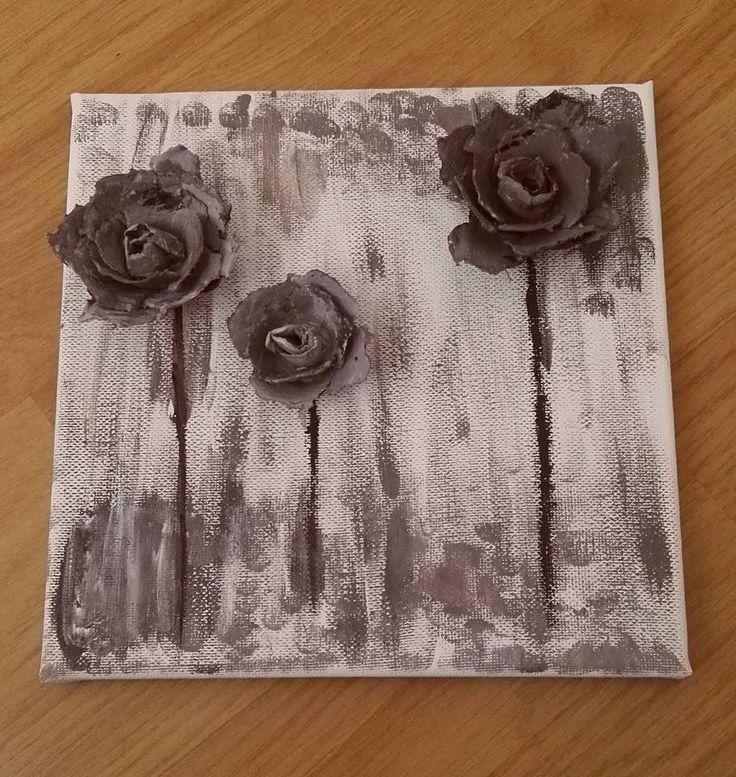 RŮŽE - Obrázek 20x20cm, odstín béžové a hnědé barvy, růže z plata od vajec. Orig. autorské provedení.  | vavavu