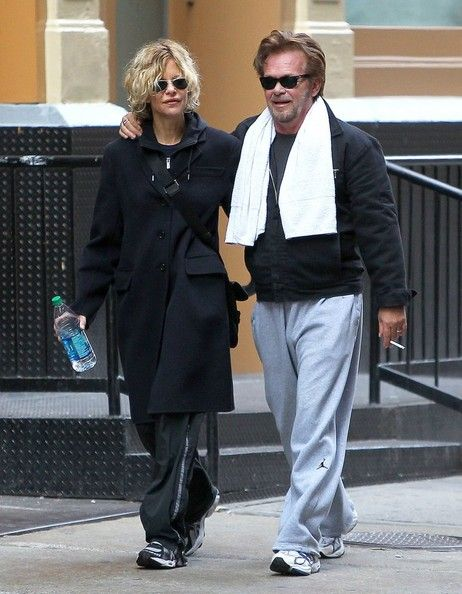 Meg Ryan Photos Photos - Meg Ryan and John Mellencamp walk home from the gym after working out together in New York City, New York on October 14, 2013. - Meg Ryan and John Mellencamp Finish Their Workout