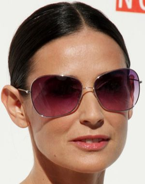 Demi Moore rocking cute shades
