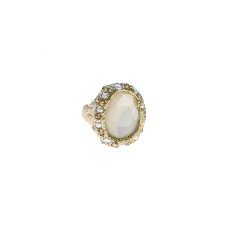 Ring made of sterling silver 925 with mother of pearl