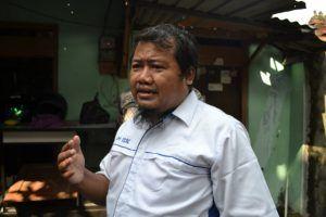 Berita Islam ! Kader HTI Dibidik ISAC : Elemen Muslim se-Nusantara Harus Buat Posko Advokasi Korban Perppu... Bantu Share ! http://ift.tt/2eEf87h Kader HTI Dibidik ISAC : Elemen Muslim se-Nusantara Harus Buat Posko Advokasi Korban Perppu  Buntut pemberlakuan Peraturan Pemerintah Pengganti Undang-Undang (Perppu) No 2 Tahun 2017 berdampak nyata pada upaya-upaya kriminalisasi Anggota Hizbut Tahrir Indonesia (HTI) yang begitu masif. Berangkat dari banyaknya keresahan dan kegelisahan itu Posko…