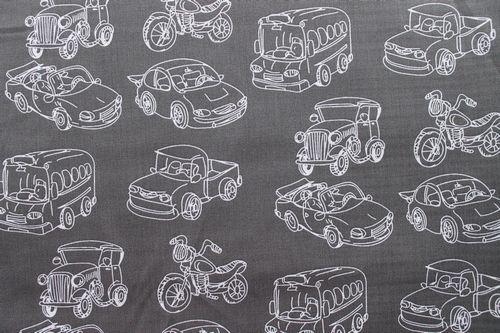 Stenzo stof, donker grijs ondegrond getekende auto/motor  Prijs per 25 cm