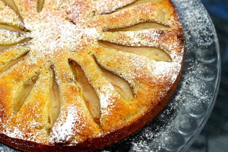 Päronkaka med kardemumma och vit choklad