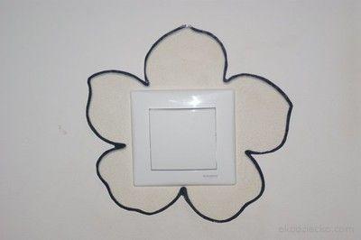 Własnoręcznie zrobiona osłona włącznika światła przed zabrudzeniem