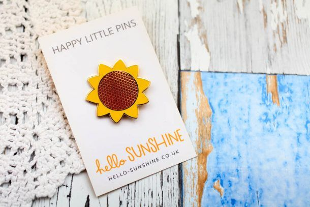 I have been eyeing up a few things over in the Hello Sunshine store mainly ALL the sunflower things and the kittie pins. Here is a look at a few of the cute stuff you can get there.