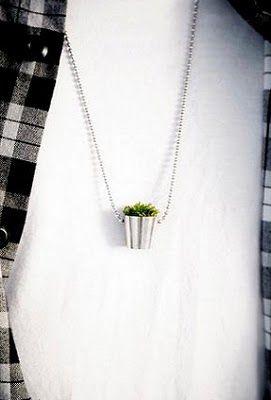 Зеленый газон на пальчиках или кольца by Hafsteinn Juliusson. Читать в нашем блоге