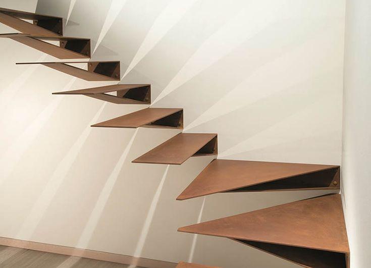 Escalera Origami, del fabricante Marretti