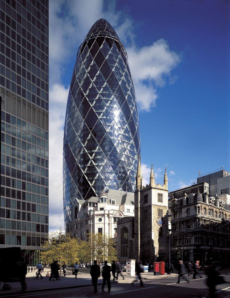 Norman Foster, Swiss Re Headquarters, 30st Mary Axe, Londyn, 2004, 180m wysokości, spiralny ornament, kontrowersyjna budowla