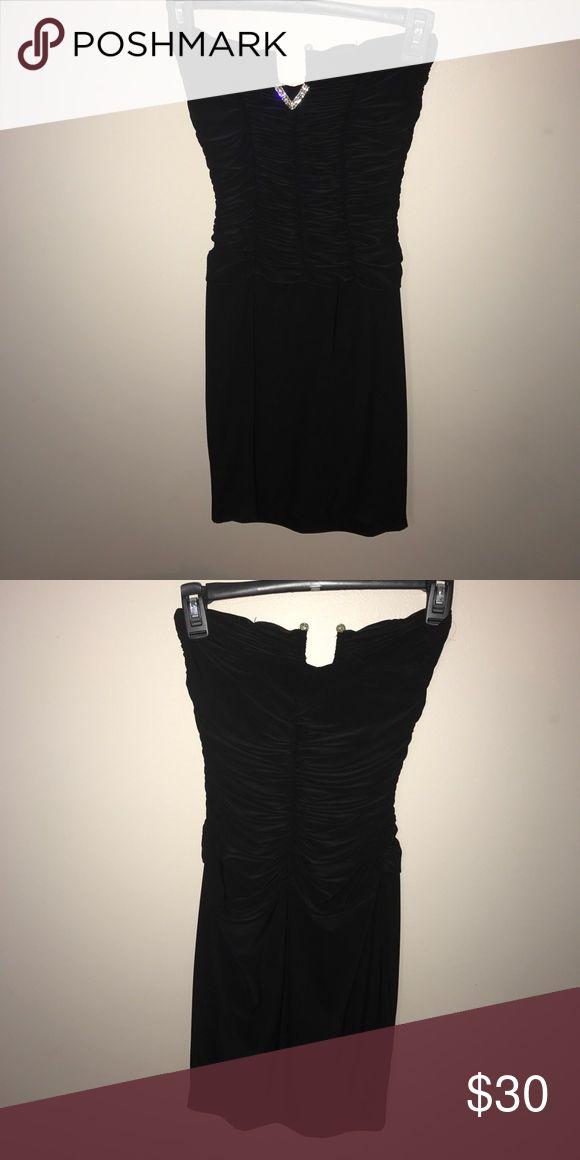 Cute lil black dress Worn once Dresses Mini