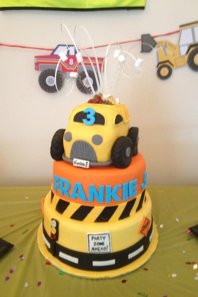 Construction/digger birthday cake