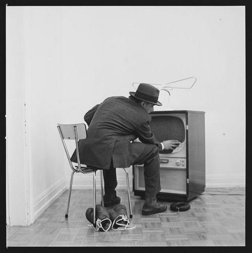 "#ART | artist i like | Joseph Beuys  (Aktion ""Felt TV"" photo by Lothar Wolleh)"