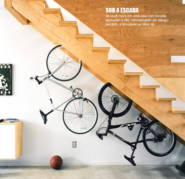 Wood and bicycle. Casa d Valentina