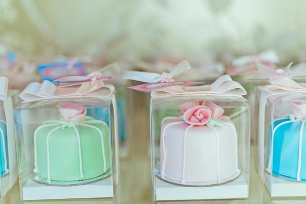 Adorable mini cake party favors