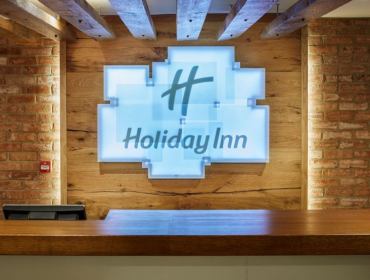 The Holiday Inn chose Havwoods Oak Rannock from our Relik range to feature as cladding throughout the hotel. Our Relik range of genuine reclaimed and reproduction reclaimed engineered timber are incredibly versatile, being used everywhere from flooring, cladding, ceilings, joinery and even bespoke furniture.