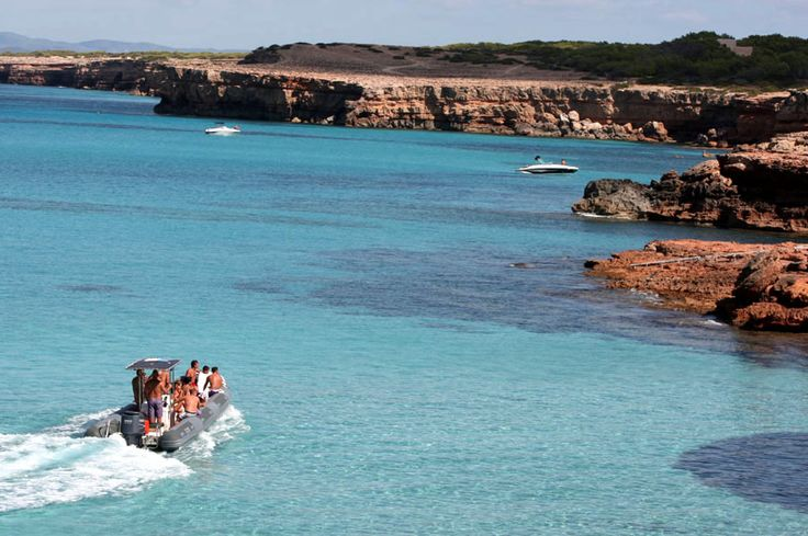 Rent A Boat To Discover The Island