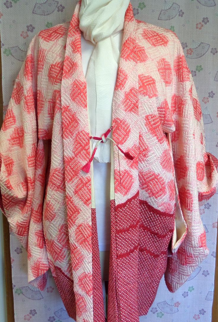 H187 Japanese pure silk vintage haori jacket; Glossy Rinzu Shibori ;hand made; superb pink and red patterning; Med/Lge by LizzieHuxtable on Etsy